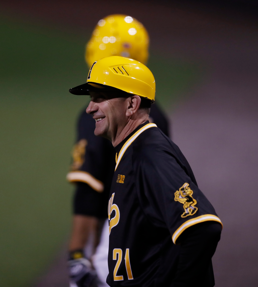 Iowa Hawkeyes head coach Rick Heller against Milwaukee Wednesday, April 25, 2018 at Duane Banks Field. (Brian Ray/hawkeyesports.com)