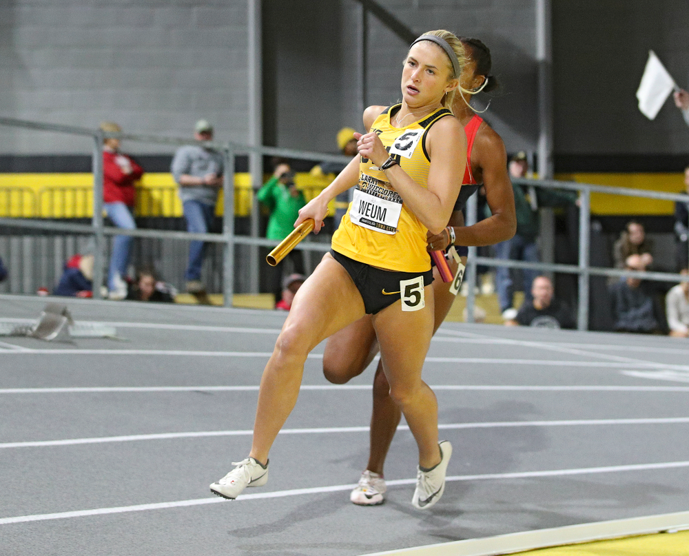 Iowa's Aly Weum runs the women's 1600 meter relay premier event during the Larry Wieczorek Invitational at the Recreation Building in Iowa City on Saturday, January 18, 2020. (Stephen Mally/hawkeyesports.com)