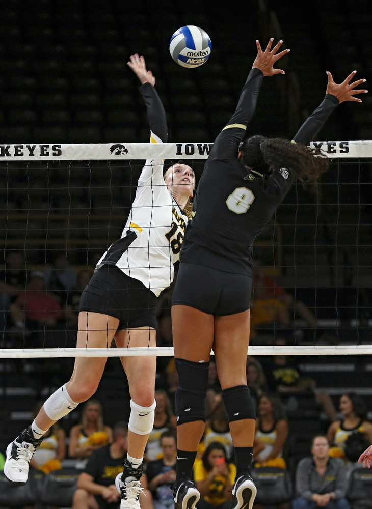 Iowa's Hannah Clayton (18) lines up a shot during the second set of their Big Ten/Pac-12 Challenge match against Colorado at Carver-Hawkeye Arena in Iowa City on Friday, Sep 6, 2019. (Stephen Mally/hawkeyesports.com)