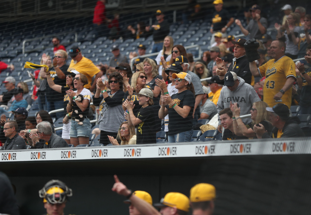 Fans cheer on the Iowa Hawkeyes against the Nebraska Cornhuskers in the first round of the Big Ten Baseball Tournament Friday, May 24, 2019 at TD Ameritrade Park in Omaha, Neb. (Brian Ray/hawkeyesports.com)