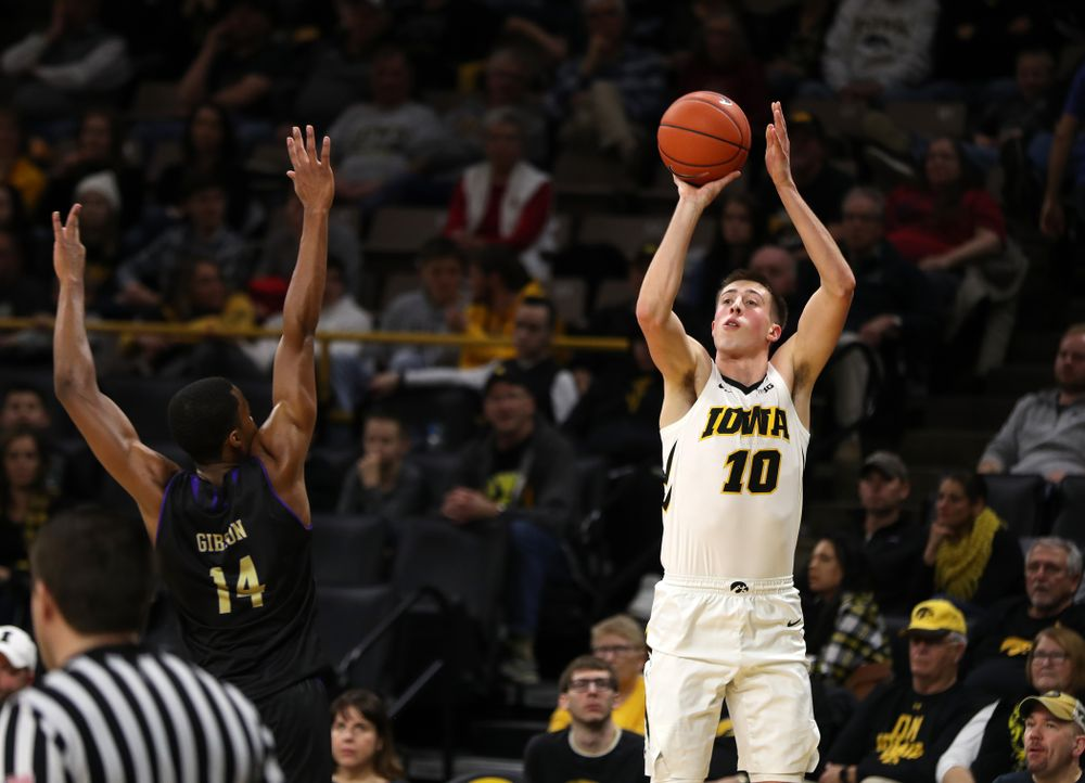 Iowa Hawkeyes guard Joe Wieskamp (10) against the Western Carolina Catamounts Tuesday, December 18, 2018 at Carver-Hawkeye Arena. (Brian Ray/hawkeyesports.com)
