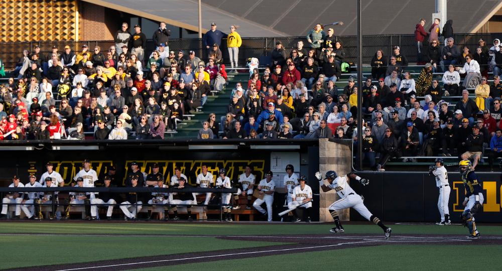 Iowa Hawkeyes third baseman Lorenzo Elion (1) against the Michigan Wolverines Friday, April 27, 2018 at Duane Banks Field in Iowa City. (Brian Ray/hawkeyesports.com)