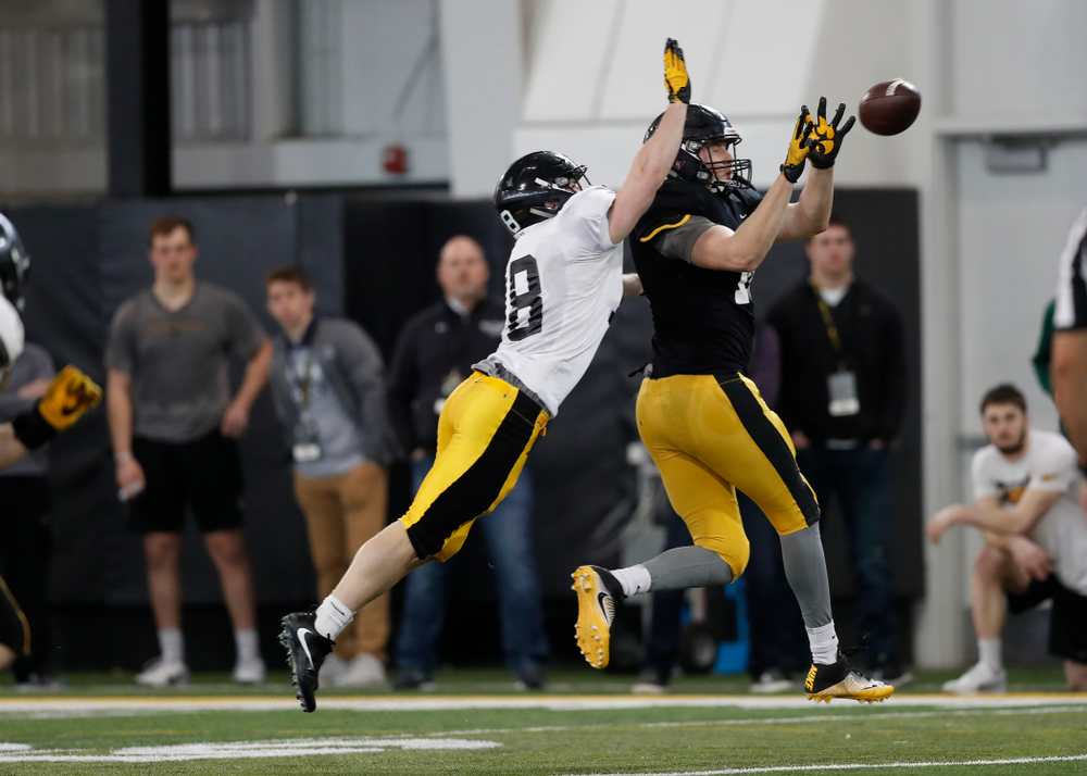 Iowa Hawkeyes tight end Drew Cook (18) during spring practice  Saturday, March 31, 2018 at the Hansen Football Performance Center. (Brian Ray/hawkeyesports.com)