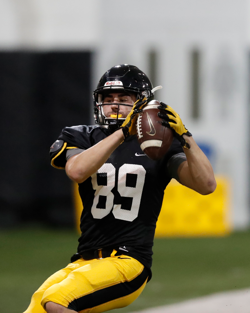 Iowa Hawkeyes wide receiver Nico Ragaini (89)during spring practice No. 13 Wednesday, April 18, 2018 at the Hansen Football Performance Center. (Brian Ray/hawkeyesports.com)