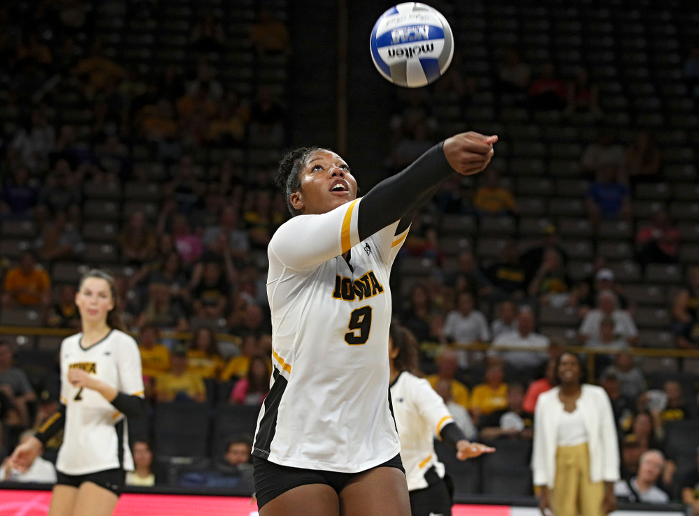 Iowa's Amiya Jones (9) gets a dig during their Big Ten/Pac-12 Challenge match at Carver-Hawkeye Arena in Iowa City on Saturday, Sep 7, 2019. (Stephen Mally/hawkeyesports.com)