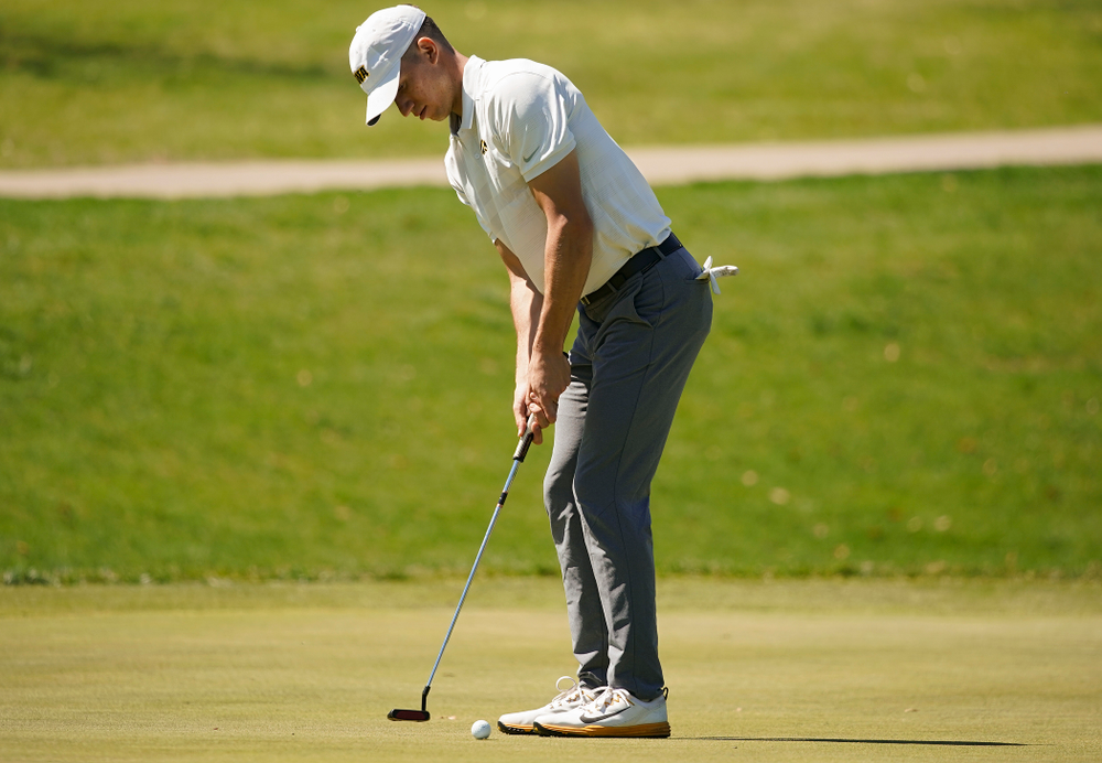 Iowa's Aaron DeNucci  putts during the second round of the Hawkeye Invitational at Finkbine Golf Course in Iowa City on Saturday, Apr. 20, 2019. (Stephen Mally/hawkeyesports.com)