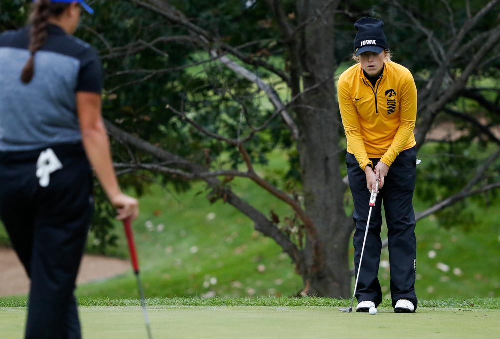 Iowa's Kristin Glesne takes practice strokes during the Diane Thomason Invitational at Finkbine Golf Course on September 29, 2018. (Tork Mason/hawkeyesports.com)