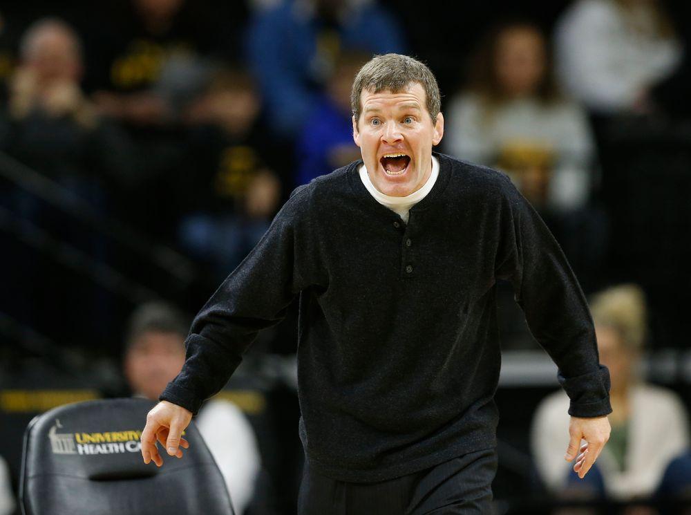 Head Coach Tom Brands