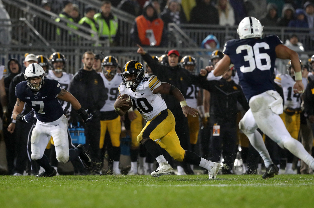 Iowa Hawkeyes running back Mekhi Sargent (10) against the Penn State Nittany Lions Saturday, October 27, 2018 at Beaver Stadium in University Park, Pa. (Brian Ray/hawkeyesports.com)
