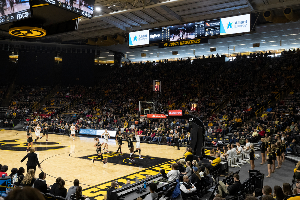Iowa Hawkeyes guard Makenzie Meyer (3) goes to the hoop against the Purdue Boilermakers Sunday, January 27, 2019 at Carver-Hawkeye Arena. (Brian Ray/hawkeyesports.com)