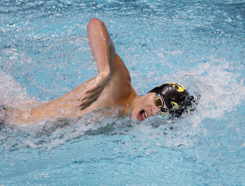 IowaÕs Andrew Fierke competes in the 1000-yard freestyle against Notre Dame and Illinois Saturday, January 11, 2020 at the Campus Recreation and Wellness Center.  (Brian Ray/hawkeyesports.com)