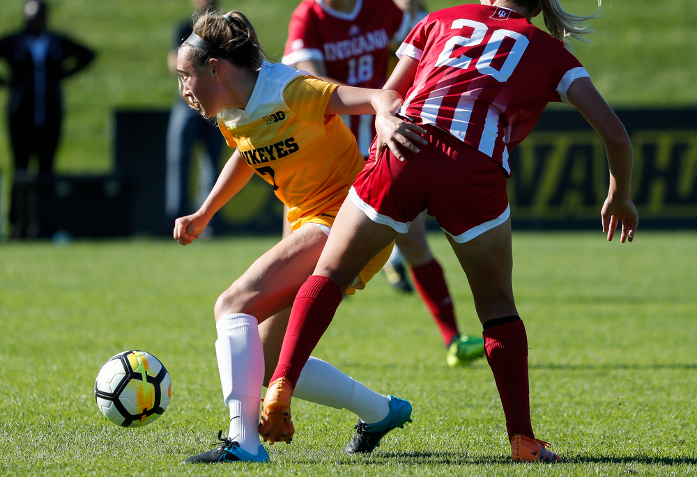 Iowa Hawkeyes forward Skylar Alward (7) dribbles the ball during a game against Indiana at the Iowa Soccer Complex on September 23, 2018. (Tork Mason/hawkeyesports.com)