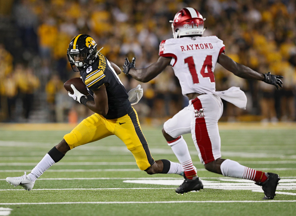 Iowa Hawkeyes wide receiver Ihmir Smith-Marsette (6) pulls in a pass during the fourth quarter of their game at Kinnick Stadium in Iowa City on Saturday, Aug 31, 2019. (Stephen Mally/hawkeyesports.com)