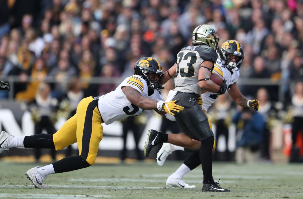 Iowa Hawkeyes defensive end Chauncey Golston (57) against the Purdue Boilermakers Saturday, November 3, 2018 Ross Ade Stadium in West Lafayette, Ind. (Brian Ray/hawkeyesports.com)