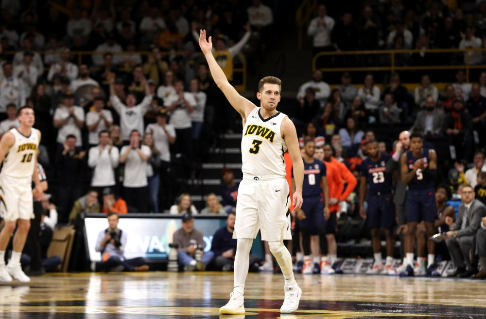 Iowa Hawkeyes guard Jordan Bohannon (3) celebrates after a three point basket against the Illinois Fighting Illini Sunday, January 20, 2019 at Carver-Hawkeye Arena. (Brian Ray/hawkeyesports.com)