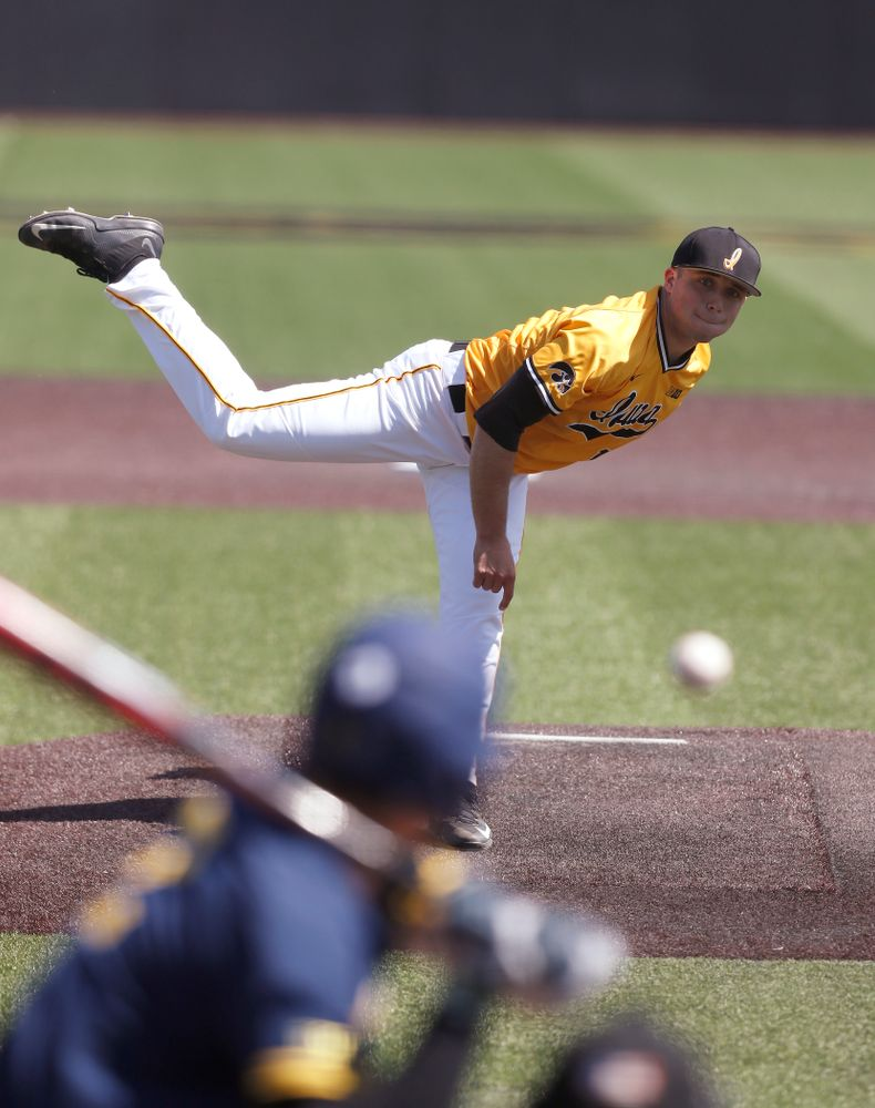 Iowa Hawkeyes pitcher Cole McDonald (11) against the Michigan Wolverines Sunday, April 29, 2018 at Duane Banks Field. (Brian Ray/hawkeyesports.com)