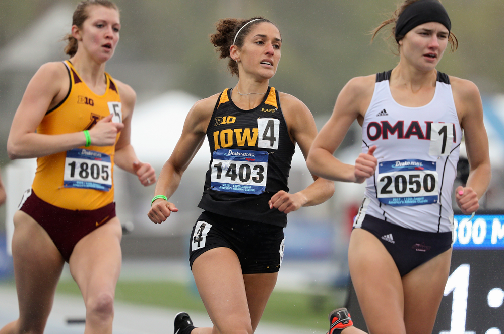Iowa's Tia Saunders runs the women's 800 meter event during the third day of the Drake Relays at Drake Stadium in Des Moines on Saturday, Apr. 27, 2019. (Stephen Mally/hawkeyesports.com)