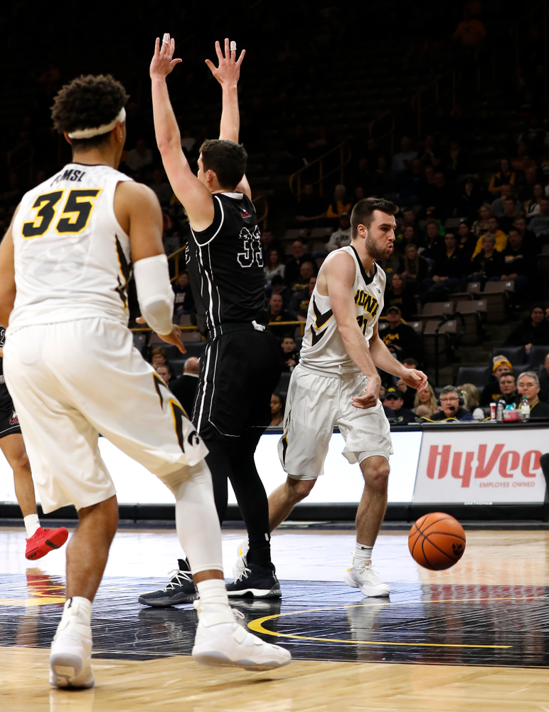 Iowa Hawkeyes forward Charlie Rose (11)