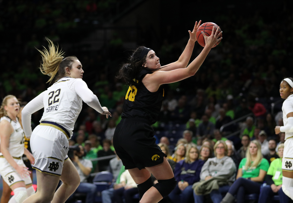 Iowa Hawkeyes forward Megan Gustafson (10) against the Notre Dame Fighting Irish Thursday, November 29, 2018 at the Joyce Center in South Bend, Ind. (Brian Ray/hawkeyesports.com)