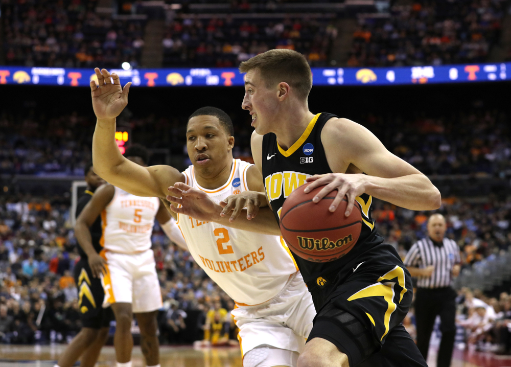 Iowa Hawkeyes guard Joe Wieskamp (10) against the Tennessee Volunteers in the second round of the 2019 NCAA Men's Basketball Tournament Sunday, March 24, 2019 at Nationwide Arena in Columbus, Ohio. (Brian Ray/hawkeyesports.com)