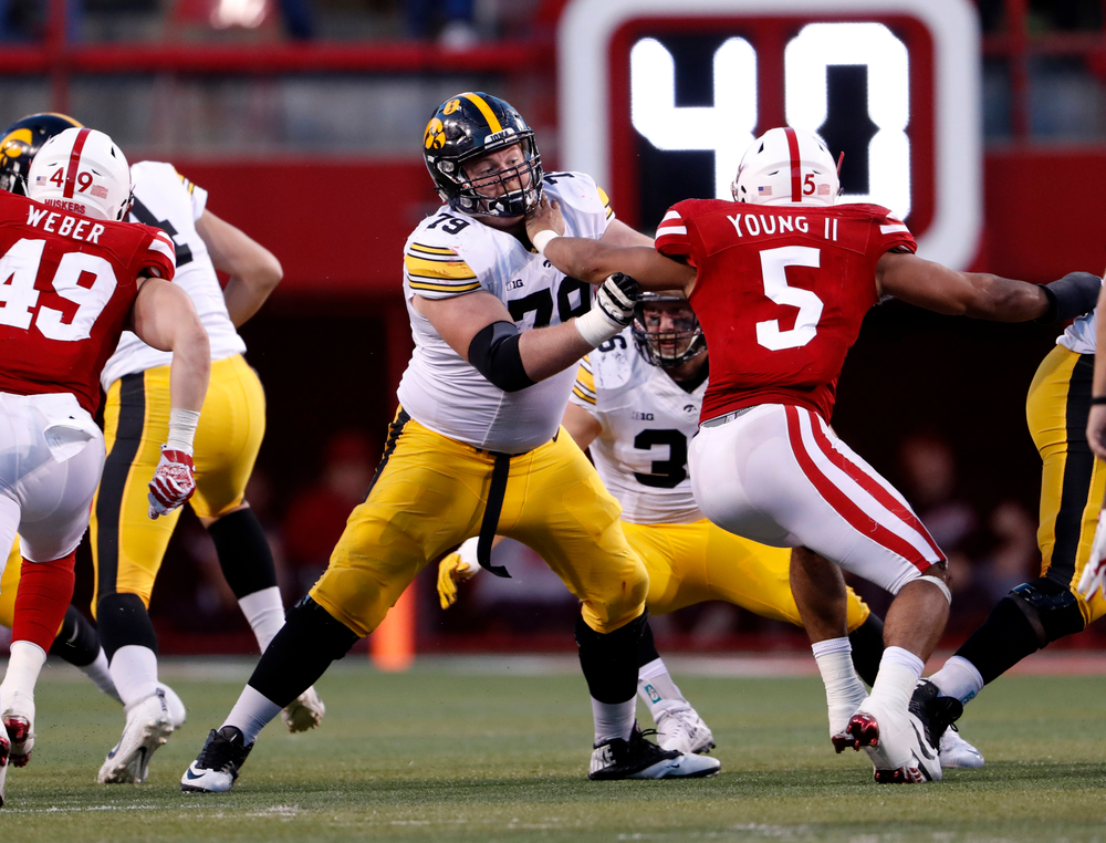 Iowa Hawkeyes offensive lineman Sean Welsh (79)