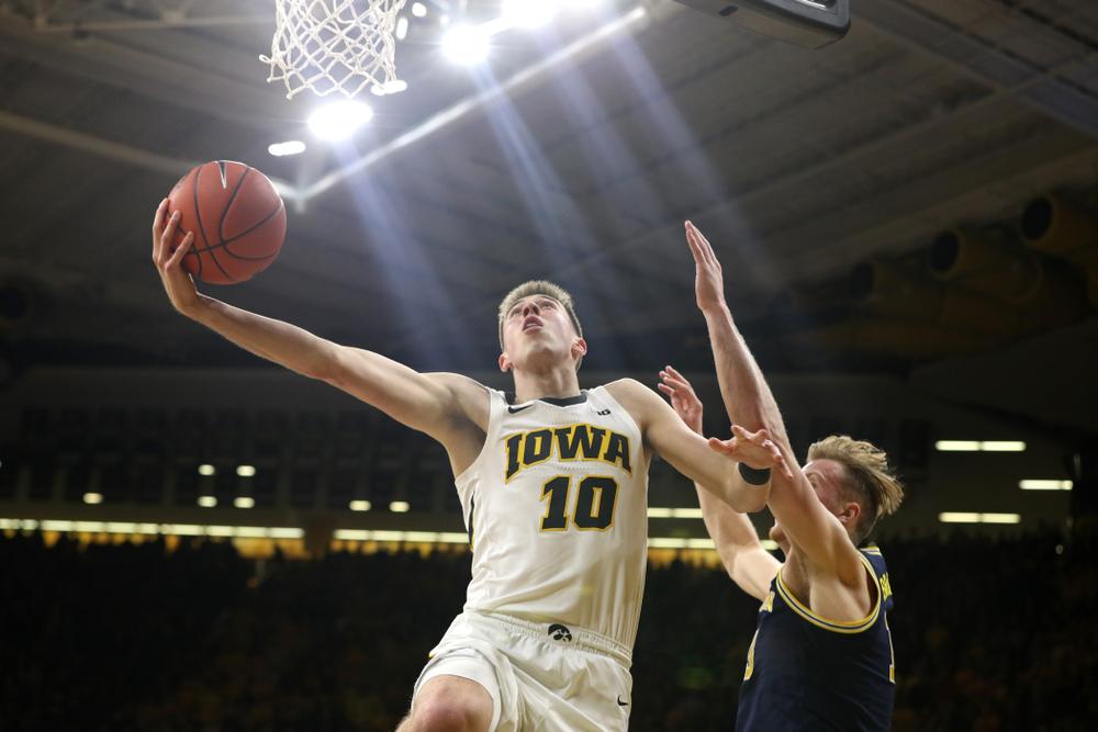 Iowa Hawkeyes guard Joe Wieskamp (10) against the Michigan Wolverines Friday, February 1, 2019 at Carver-Hawkeye Arena. (Brian Ray/hawkeyesports.com)
