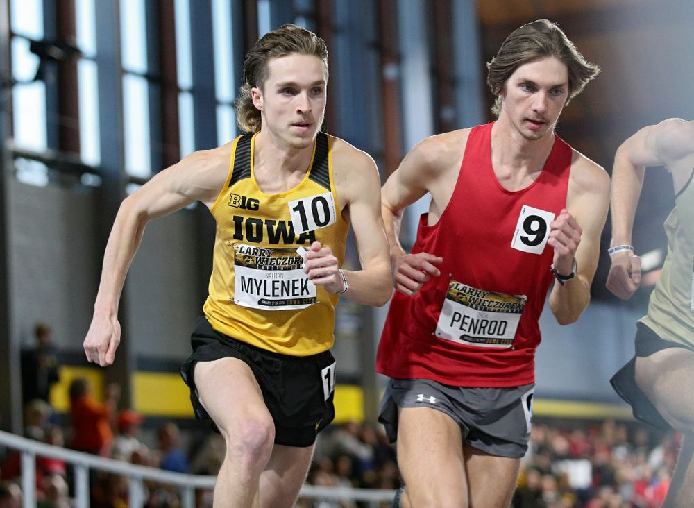 Iowa's Nathan Mylenek runs the men's 1 mile run event during the Larry Wieczorek Invitational at the Recreation Building in Iowa City on Saturday, January 18, 2020. (Stephen Mally/hawkeyesports.com)
