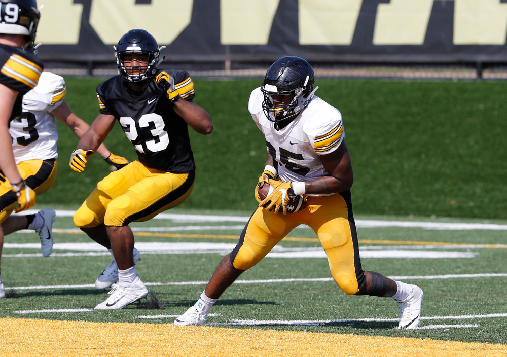 Iowa Hawkeyes linebacker Barrington Wade (35) during camp practice No. 17 Wednesday, August 22, 2018 at the Kenyon Football Practice Facility. (Brian Ray/hawkeyesports.com)