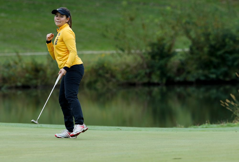 Iowa's Manuela Lizarazu reacts after sinking a birdie putt on the 13th hole during the Diane Thomason Invitational at Finkbine Golf Course on September 29, 2018. (Tork Mason/hawkeyesports.com)