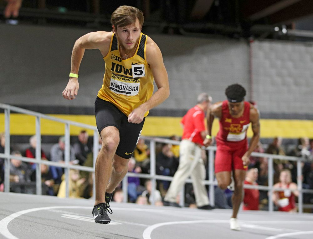 Iowa's Tysen VanDraska runs the men's 1000 meter run event during the Jimmy Grant Invitational at the Recreation Building in Iowa City on Saturday, December 14, 2019. (Stephen Mally/hawkeyesports.com)