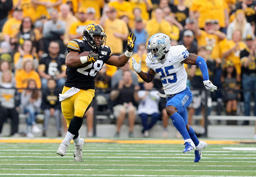 Iowa Hawkeyes running back Toren Young (28) on a run during the second quarter of their game at Kinnick Stadium in Iowa City on Saturday, Sep 28, 2019. (Stephen Mally/hawkeyesports.com)