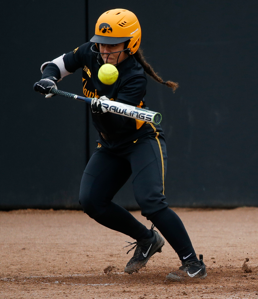 Iowa Hawkeyes infielder Lea Thompson (7)