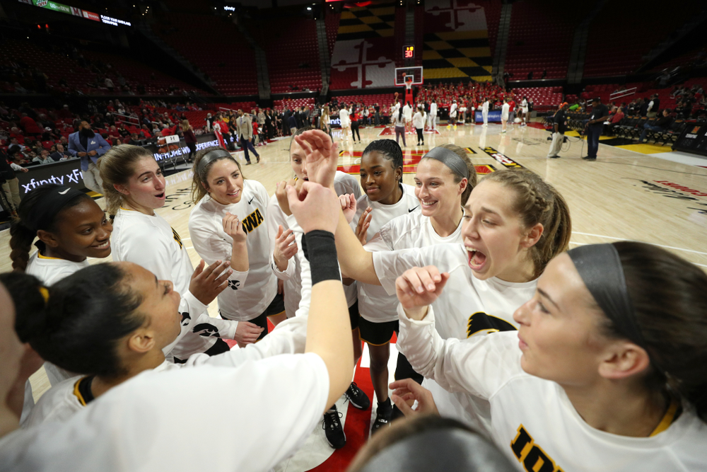 The Hawkeyes gather before their game against the Maryland Terrapins Thursday, February 13, 2020 at the Xfinity Center in College Park, MD. (Brian Ray/hawkeyesports.com)