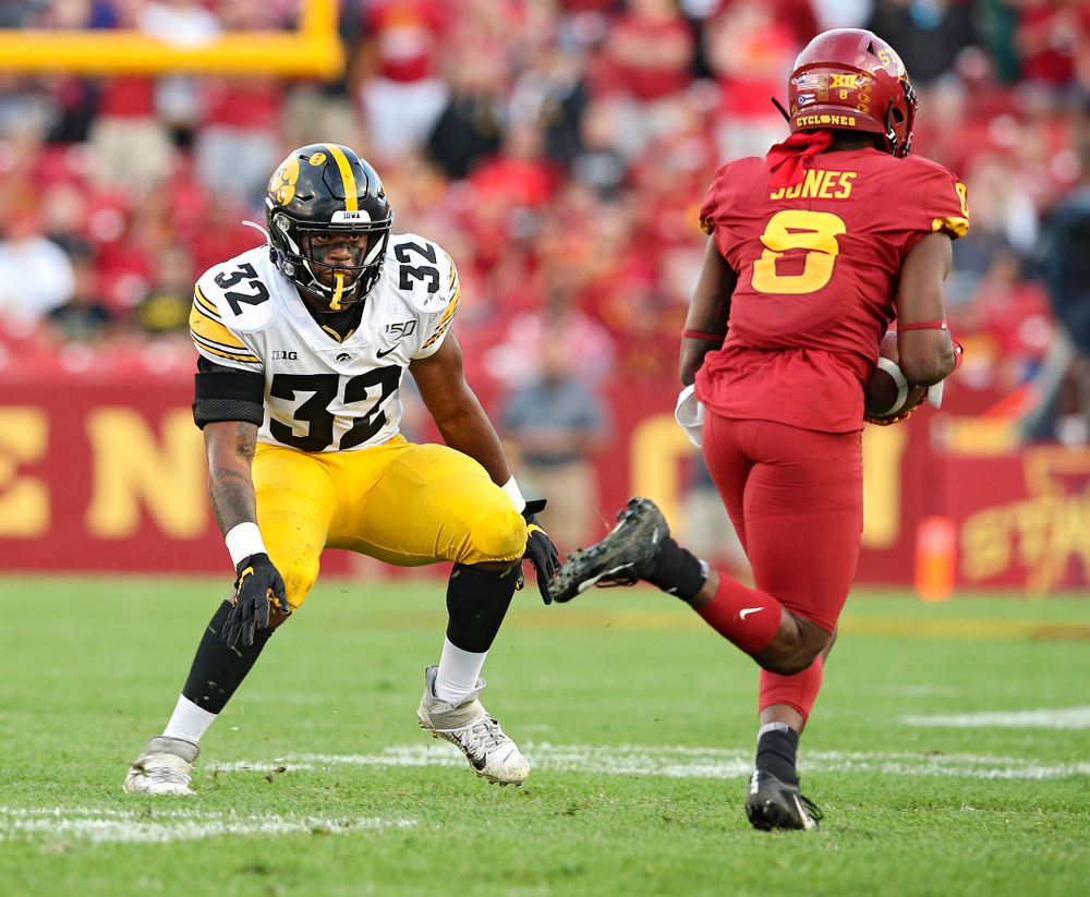 Iowa Hawkeyes linebacker Djimon Colbert (32) closes in during the second quarter of their Iowa Corn Cy-Hawk Series game at Jack Trice Stadium in Ames on Saturday, Sep 14, 2019. (Stephen Mally/hawkeyesports.com)