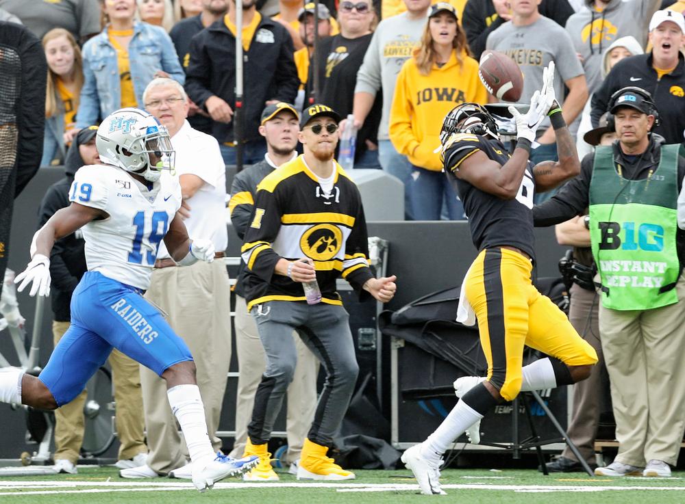 Iowa Hawkeyes wide receiver Ihmir Smith-Marsette (6) pulls in a pass during the second quarter of their game at Kinnick Stadium in Iowa City on Saturday, Sep 28, 2019. (Stephen Mally/hawkeyesports.com)