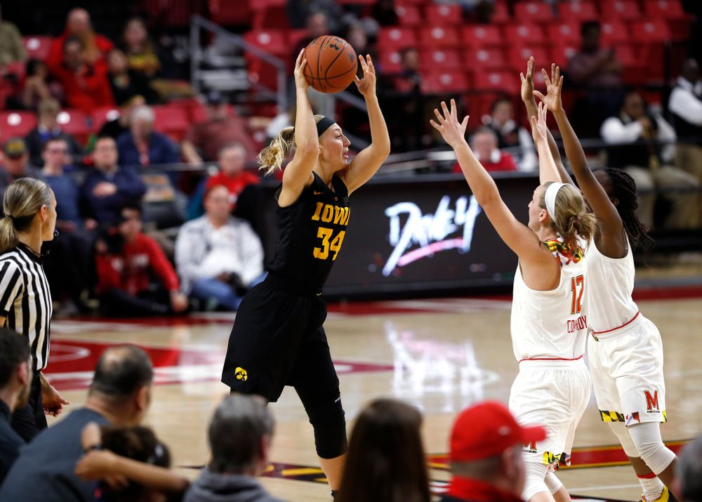 Iowa Hawkeyes forward Carly Mohns (34)