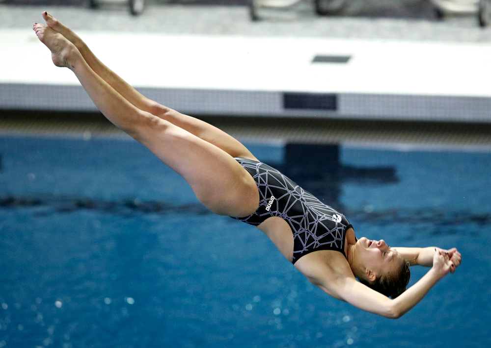 Iowa's Samantha Tamborski competes in the women's platform diving preliminary event during the 2020 Women's Big Ten Swimming and Diving Championships at the Campus Recreation and Wellness Center in Iowa City on Saturday, February 22, 2020. (Stephen Mally/hawkeyesports.com)