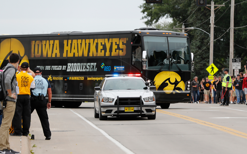 The Iowa Hawkeyes arrive for their game against the Iowa State Cyclones Saturday, September 8, 2018 at Kinnick Stadium. (Brian Ray/hawkeyesports.com)