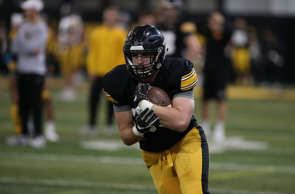 Iowa Hawkeyes tight end Nate Wieting (39) during preparation for the 2019 Outback Bowl Wednesday, December 19, 2018 at the Hansen Football Performance Center. (Brian Ray/hawkeyesports.com)