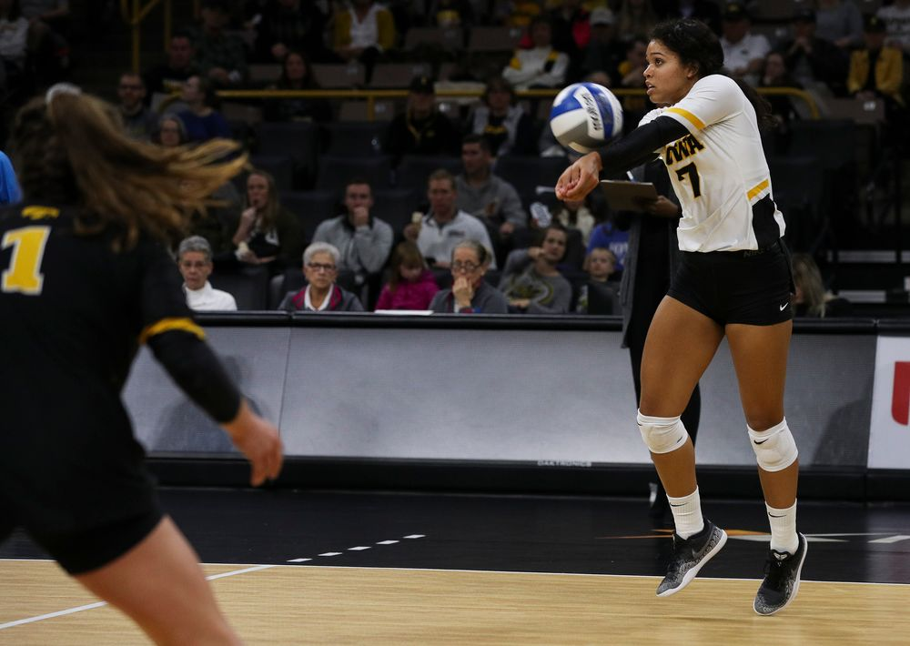 Iowa Hawkeyes setter Brie Orr (7) bumps the ball during a match against Rutgers at Carver-Hawkeye Arena on November 2, 2018. (Tork Mason/hawkeyesports.com)