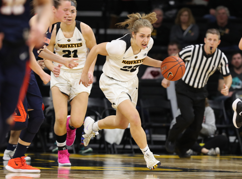Iowa Hawkeyes guard Kathleen Doyle (22) against the Illinois Fighting Illini Thursday, February 14, 2019 at Carver-Hawkeye Arena. (Brian Ray/hawkeyesports.com)