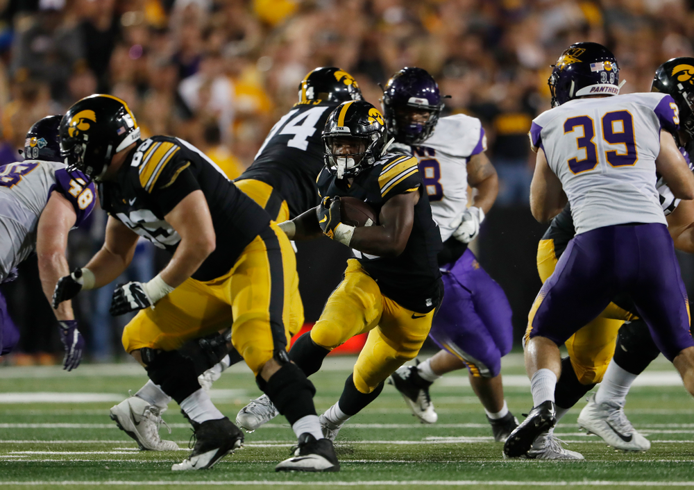 Iowa Hawkeyes running back Mekhi Sargent (10) against the Northern Iowa Panthers Saturday, September 15, 2018 at Kinnick Stadium. (Brian Ray/hawkeyesports.com)