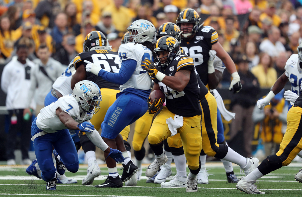 Iowa Hawkeyes running back Toren Young (28) against Middle Tennessee State Saturday, September 28, 2019 at Kinnick Stadium. (Brian Ray/hawkeyesports.com)