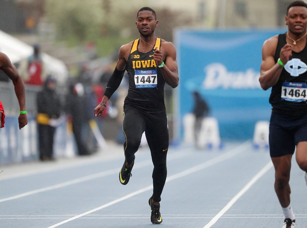 Iowa's Antonio Woodard runs the men's 100 meter dash event during the third day of the Drake Relays at Drake Stadium in Des Moines on Saturday, Apr. 27, 2019. (Stephen Mally/hawkeyesports.com)