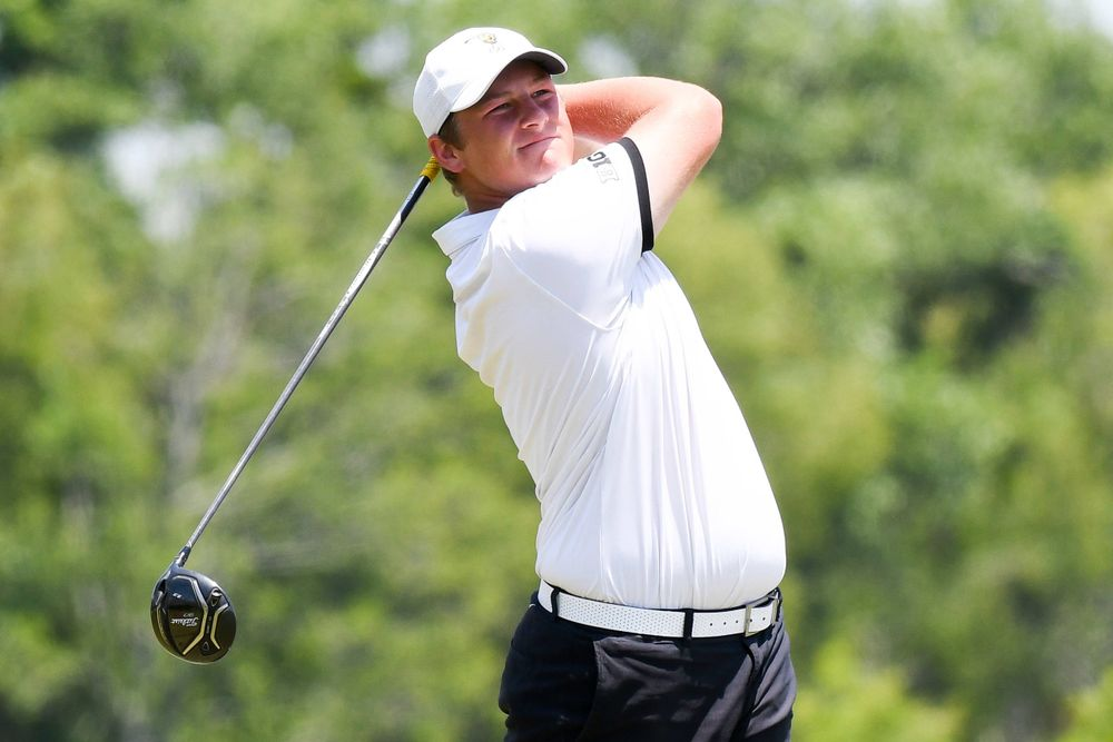 Freshman Alex Schaake competes in the first round of the NCAA Men's Golf Regional. (Photo:SE Sports Media/Sideline Sports).
