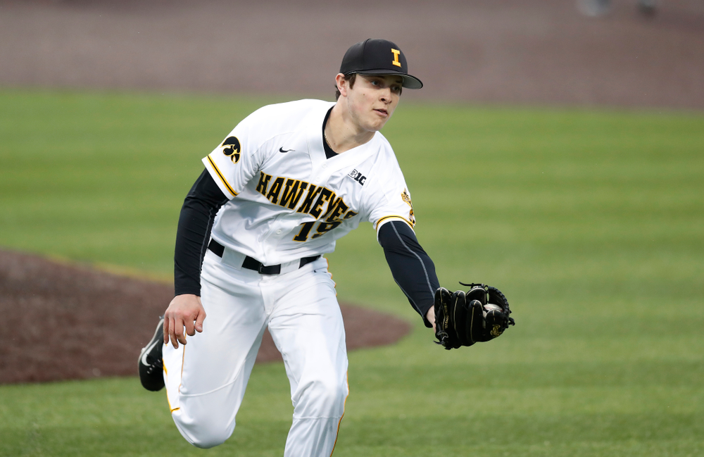 Iowa Hawkeyes pitcher Ben Probst (19) against Coe College Wednesday, April 11, 2018 at Duane Banks Field. (Brian Ray/hawkeyesports.com)