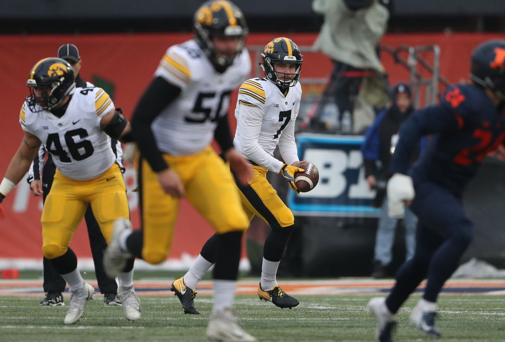 Iowa Hawkeyes punter Colten Rastetter (7) against the Illinois Fighting Illini Saturday, November 17, 2018 at Memorial Stadium in Champaign, Ill. (Brian Ray/hawkeyesports.com)