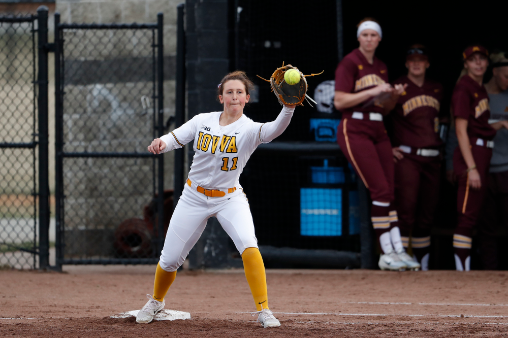 Iowa Hawkeyes first baseman Mallory Kilian (11) against the Minnesota Golden Gophers  Thursday, April 12, 2018 at Bob Pearl Field. (Brian Ray/hawkeyesports.com)