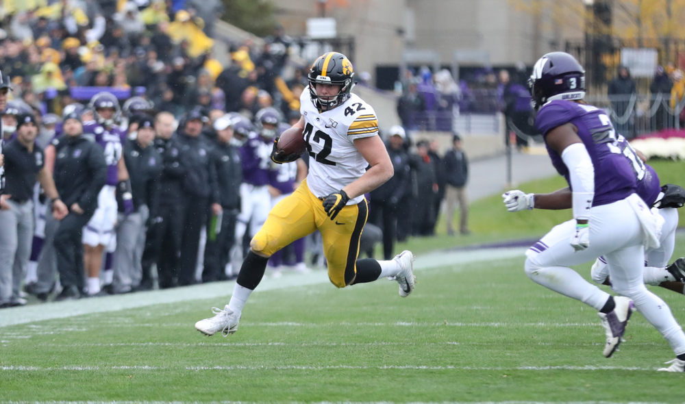 Iowa Hawkeyes tight end Shaun Beyer (42) against the Northwestern Wildcats Saturday, September 28, 2019 at Kinnick Stadium. (Max Allen/hawkeyesports.com)