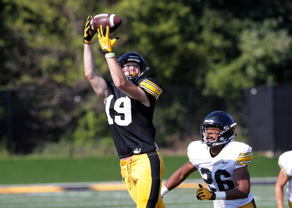 Iowa Hawkeyes wide receiver Max Cooper (19) during camp practice No. 17 Wednesday, August 22, 2018 at the Kenyon Football Practice Facility. (Brian Ray/hawkeyesports.com)